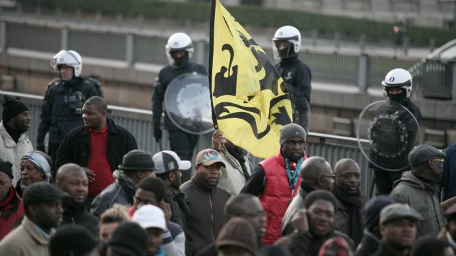 Rechter vernietigt GAS-boete voor ontplooien Vlaamse Leeuw in Brussel