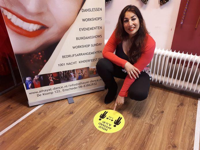 """Ingrid Wijnbeek-Sabajo van Al Hayat Dance Studio in Enschede kan haar leden niet uitleggen waarom ze niet open mag. """"Er wordt met twee maten gemeten."""""""