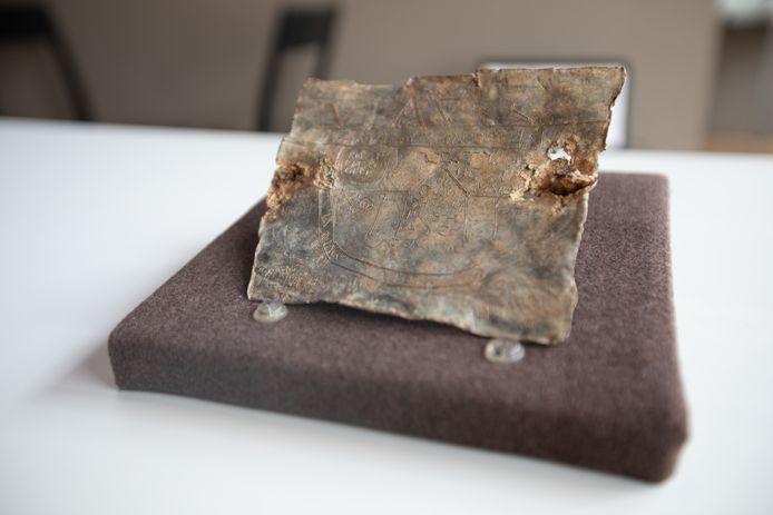 Het unieke Romeinse vervloekingsplaatje.