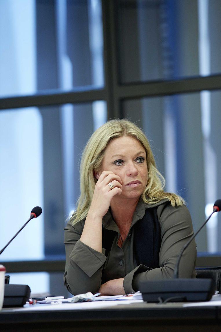 Minister Hennis van Defensie. Beeld anp