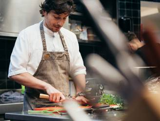 """Topchefs (onder wie Marcelo Ballardin) stellen feestelijke foodbox van Solucious samen: """"Verenigingen kunnen zo wat extra verdienen"""""""
