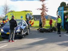 Motorrijder ongedeerd na harde crash pal voor Airport Teuge