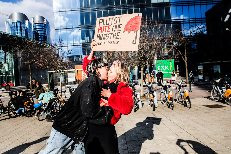 Met de manifestatie eiste sekswerkersvereniging Utsopi duidelijkheid, perspectief en erkenning voor de 30.000 sekswerkers in ons land. Beeld Aurélie Geurts
