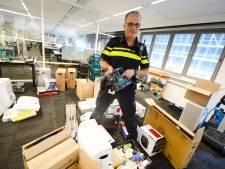 Almelose woning volgepropt met gestolen spullen: politie bezig met moeizame zoektocht naar eigenaren