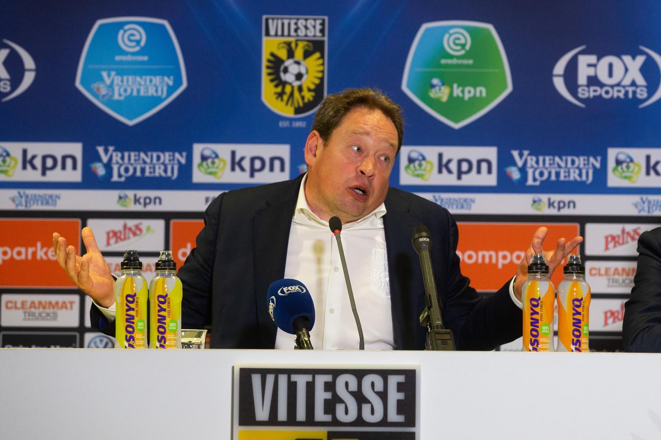 Vitesse-coach Leonid Slutskiy.