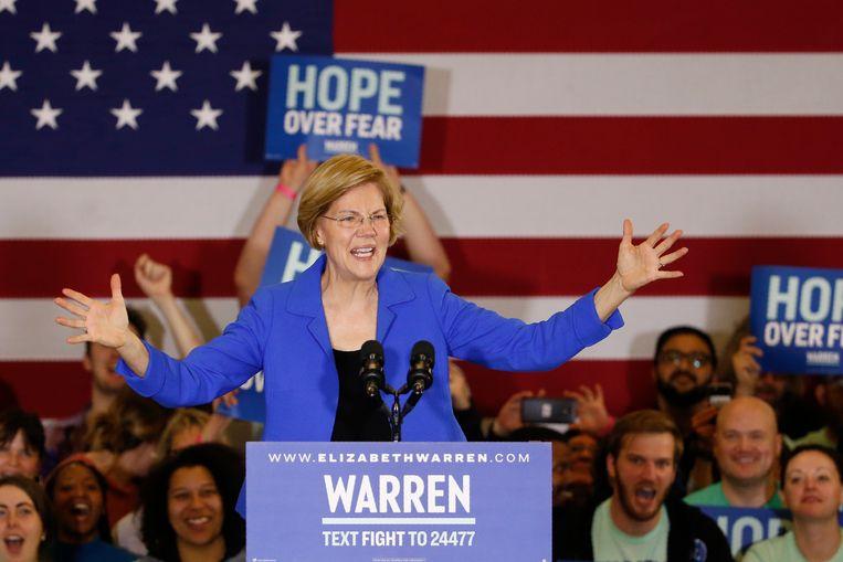 Elizabeth Warren tijdens haar speech na de caucus.