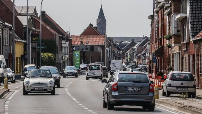 Fietsster (45) gewond bij botsing aan afrit E403 in Wevelgem