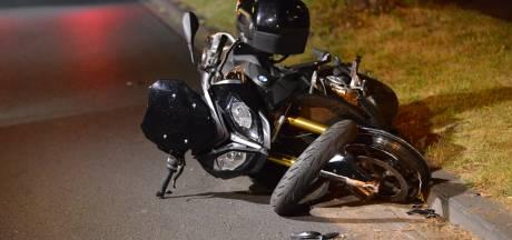 Motor zwaar beschadigd na ongeluk in Breda, bestuurder gewond