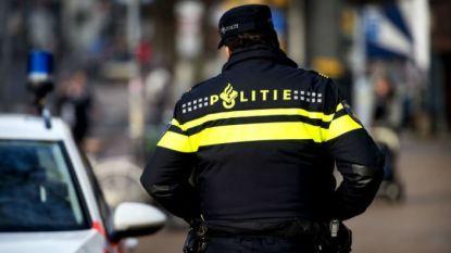 Vuurwapens, kilo's drugs en miljoen euro: Nederlandse politie rolt groot drugsnetwerk op, ook arrestatie in België