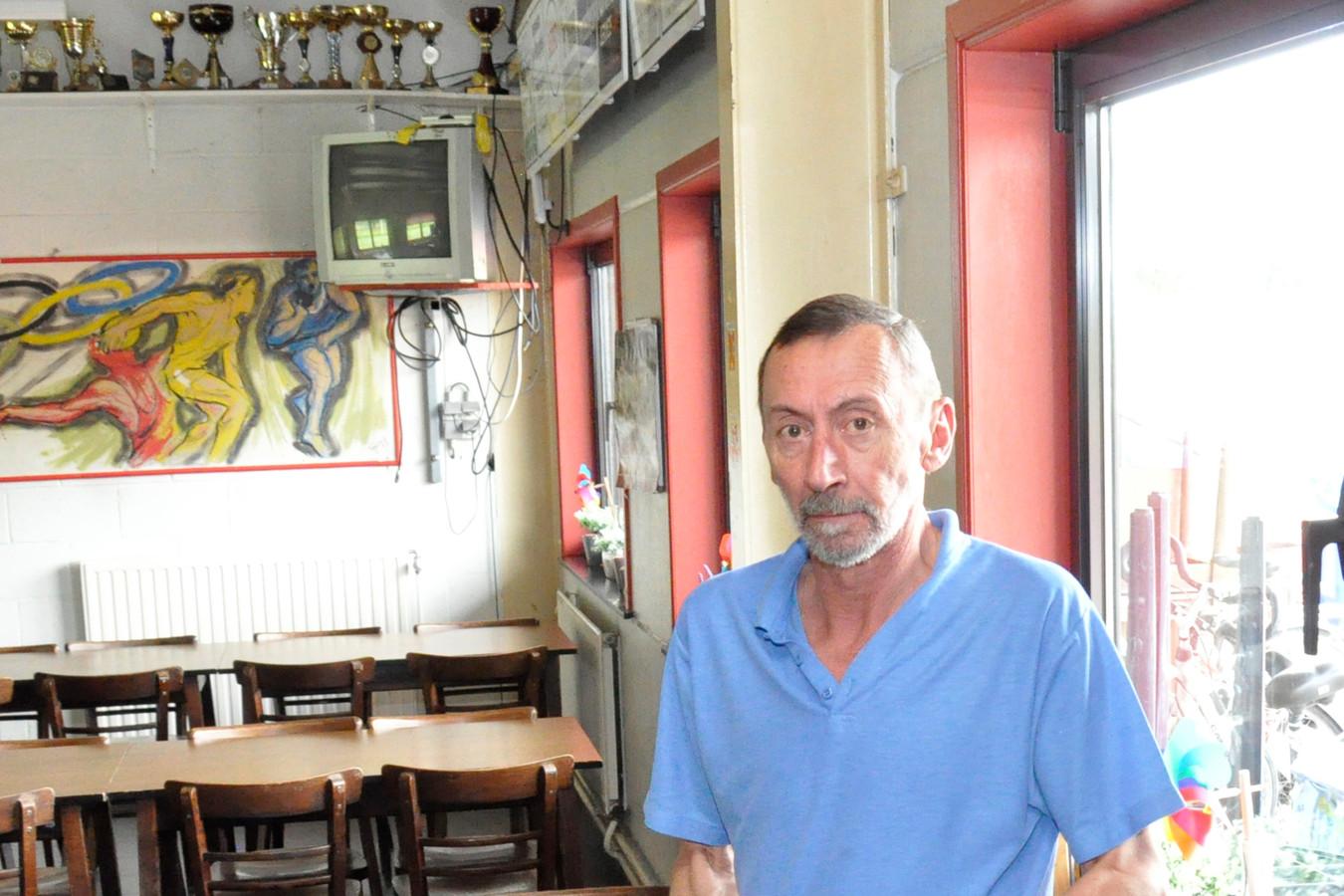 Marcel Soetens was altijd voor of achter de tapkast te vinden van de kantine van Atletiekclub Volharding.