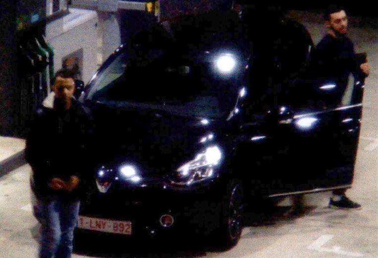 Abrini werd op 11 november, twee dagen voor de aanslagen van Parijs, gefilmd met Salah Abdeslam bij een benzinestation. Beeld AFP