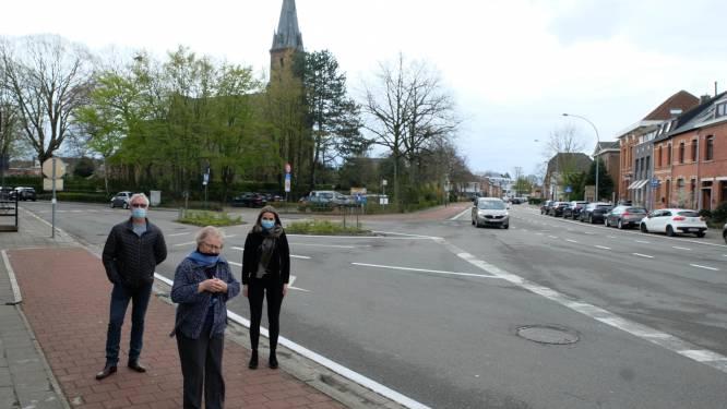 """Buurt start petitie tegen geplande rotonde aan kerk van Blaasveld: """"Er zijn andere oplossingen om de verkeersveiligheid te verhogen"""""""