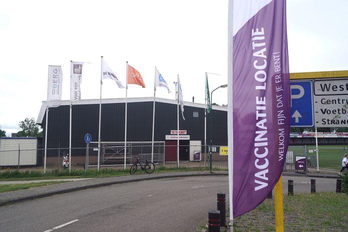 In Sporthal De Toekomst in Bunschoten-Spakenburg kunnen inwoners van het vissersdorp zich vanaf volgende week zonder afspraak laten vaccineren.