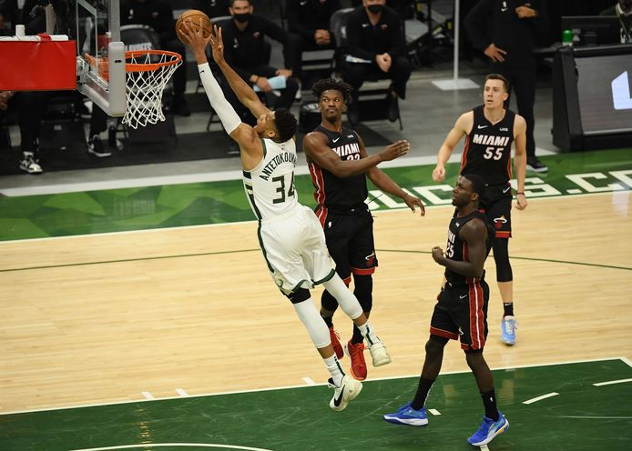 GIannis Antekounmpo et les Bucks se rapprochent des demi-finales de la Conférence Est.