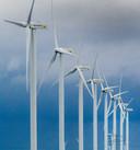 Windmolens in het landschap.
