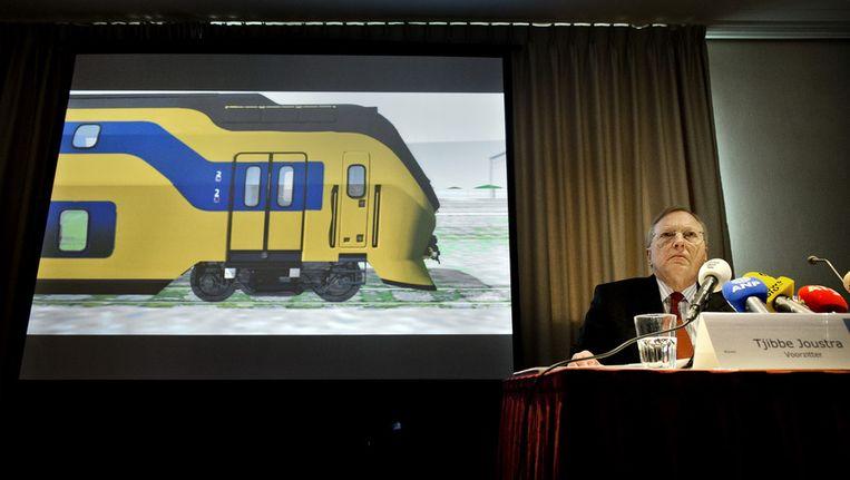 De voorzitter van de Onderzoeksraad voor Veiligheid, Tjibbe Jouwstra, tijdens de presentatie van het onderzoek naar de treinbotsing bij Amsterdam Westerpark op 21 april. Beeld anp