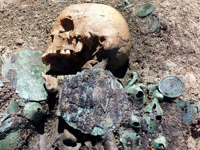 Een in 2016 in Duitsland gevonden boerengraf uit de bronstijd, vermoedelijk van 2000 voor Christus.