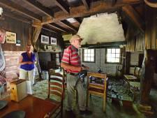 De Bommelas, een verlaten los hoes in Haaksbergen. Heel soms gaan de deuren open