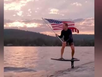 Mark Zuckerberg deelt vreemde video van zichzelf voor '4th of July'... en een nieuwe meme is geboren