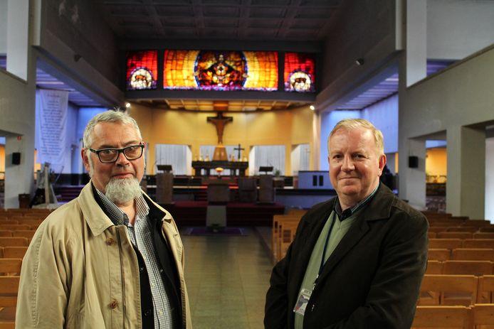 Eer archieffoto van stadsgidsen Dirk Luyten en Mark Ceustermans in de Heilig Hartkerk.