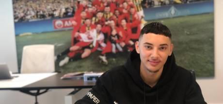 Talent Nouri Cheung verlengt contract bij Vitesse