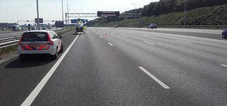 A15 richting Gorinchem dicht na ongeluk bij Vaanplein