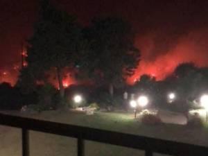"""Jan zag bosbranden in Sardinië tot aan tuin van hotel naderen: """"Erg bange momenten"""""""