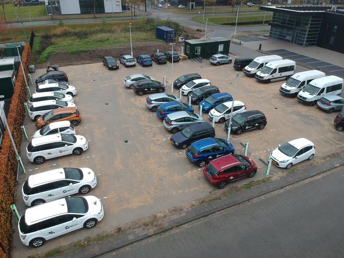 Aan het Laadplein kunnen 40 auto's tegelijk worden aangesloten.