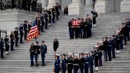 Begrafenis George Bush: Bush Jr. krijgt het moeilijk en Trump negeert de Clintons