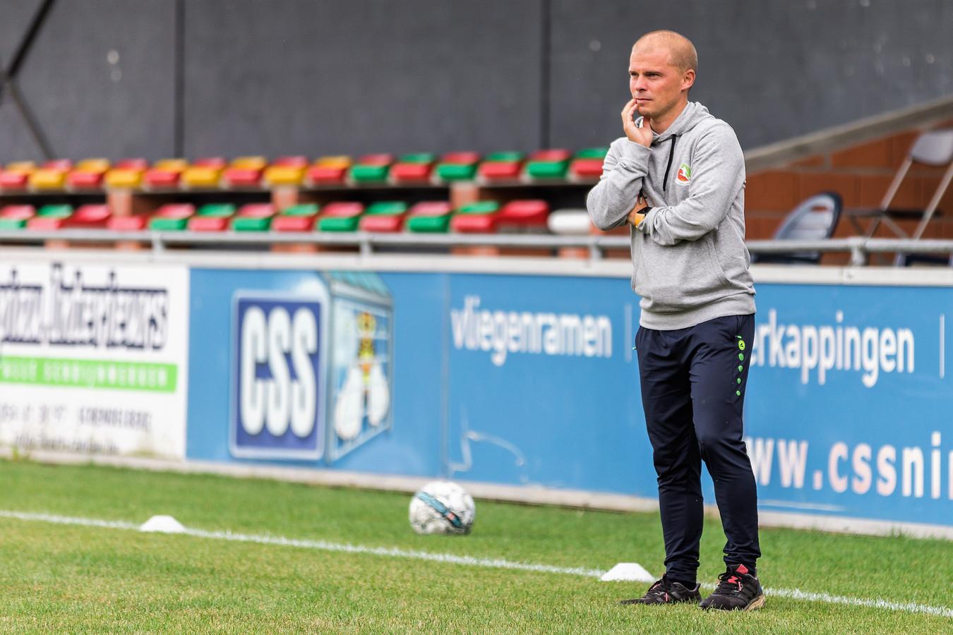 Coach Bart De Durpel trekt zondagnamiddag met Voorde-Appelterre naar eersteprovincialer KVV Ardennen in de eerste ronde van de Beker van België. Voor de fusieclub wordt het de eerste wedstrijd met inzet in tien maanden.