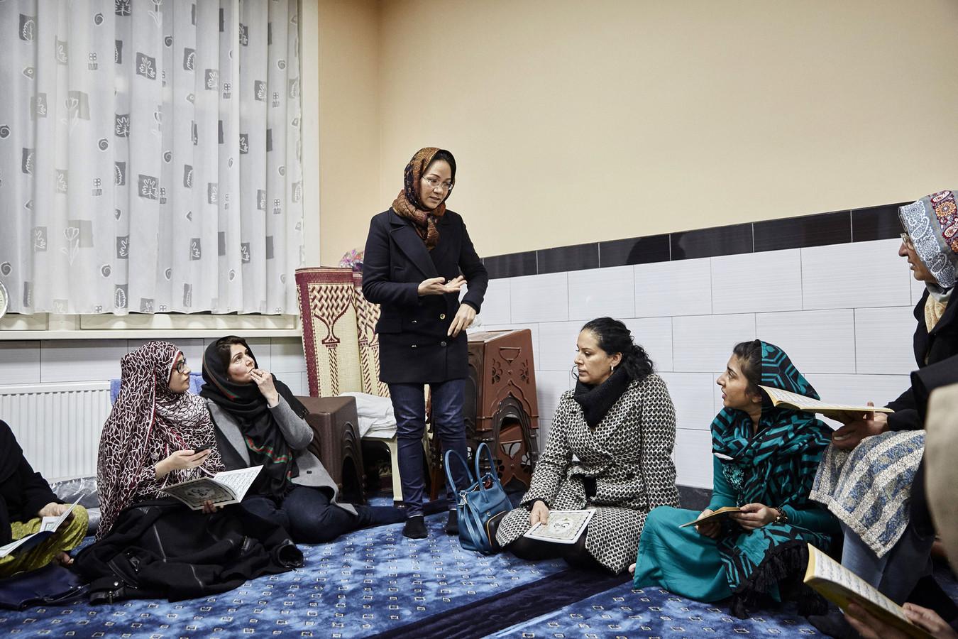 In de Pakistaanse Masjid Ghausia Moskee werd vrijdag een gebedsbijeenkomst voor Yasmeen afgedwongen.
