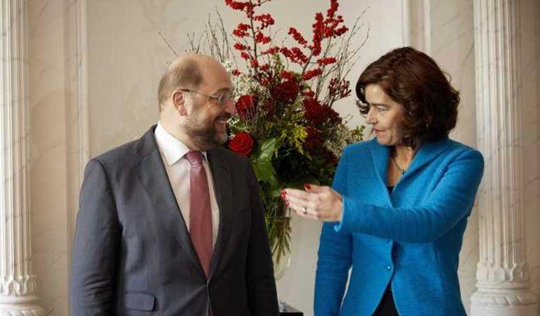 Voorzitter Anouchka van Miltenburg van de Tweede Kamer ontvangt de voorzitter van het Europees parlement, Martin Schulz. Beeld anp