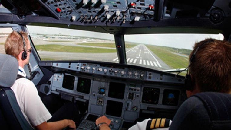 Piloten van Novair trainen in de simulator voor het vliegen met een A320 Beeld Novair
