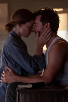 """Hugh Jackman nous parle de """"Reminiscence"""", l'événement ciné de l'été qui se dévoile dans une première bande-annonce"""