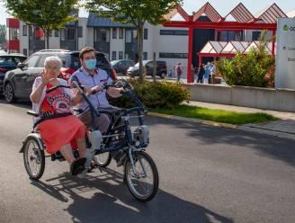 Rusthuisbewoners in Asse kunnen voortaan op pad met een duofiets