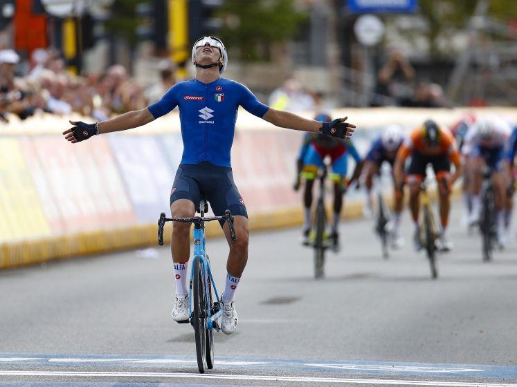 Italiaan Baroncini pakt wereldtitel bij beloften, Nys sprint naar zesde plek