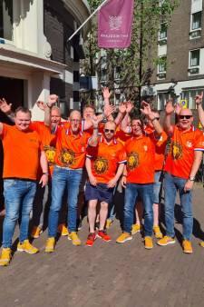 Oranjefans zien af van trip naar Boedapest: 'Besmettingskans in vol stadion te groot'