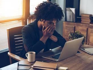 Mails beantwoorden voor je weer aan de slag gaat? Experts vertellen hoe je werkstress kan vermijden na je vakantie