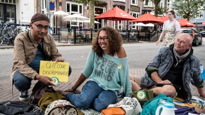 LIVE   Eindelijk weer ouderwets stappen zonder afstand; zo verliep protest tegen 'QR-dictatuur' in Cuijk