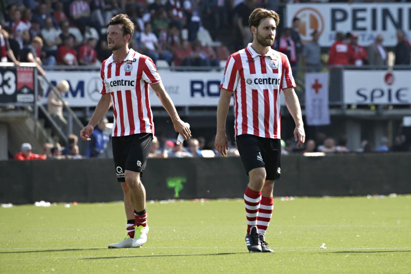 Bart Vriends (links) en Thomas Verhaar als spelers van Sparta.
