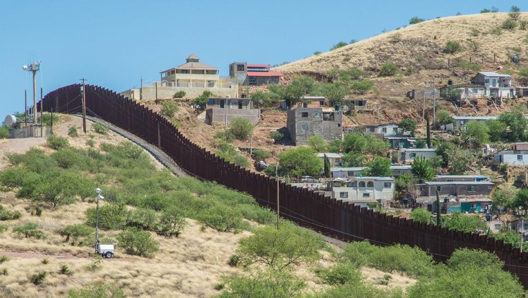 Muur tussen Mexico en de VS Beeld Thinkstock