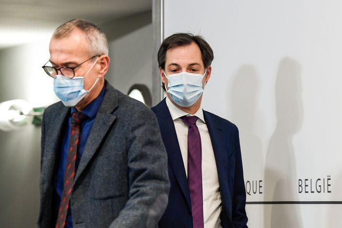 Frank Vandenbroucke, ministre de la Santé, et Alexander De Croo, Premier ministre