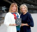 Bo Van Spilbeek en Lynn Wezenbeek op de boekvoorstelling van 50 Tinten Wijs.