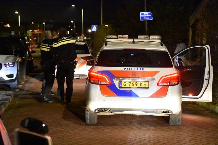 De politie is in Boskoop na een overval op supermarkt Hoogvliet in de Burgemeester Colijnstraat