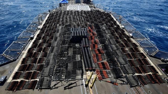 Amerikaanse marine onderschept schip met duizenden wapens in Arabische Zee