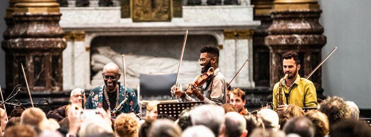 Ananse Orchestra onder leiding van Yannick Hiwat was er in 2019 en speelt 14 augustus in Felix Meritis.  Beeld Melle Meivogel