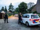 Agenten in kogelwerende vesten kammen wijk uit in Doesburg