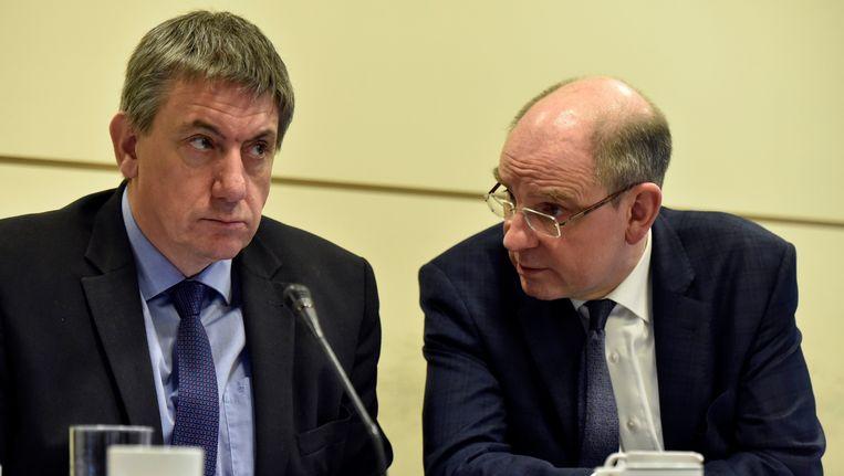 Minister Jan Jambon (N-VA) van Binnenlandse Zaken en minister van Justitie Koen Geens (CD&V). Beeld Photo News