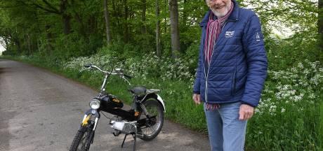 Jan had een heerlijke coronaklus: hij knapte een oude Tomos uit 1975 op