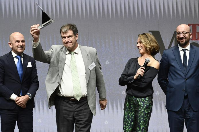 En 2017, l'ex-CEO de Brussels South Charleroi Airport (BSCA), Jean-Jacques Cloquet a reçu le prix de Manager de l'Année. Il est redevenu administrateur de B4C en septembre dernier.